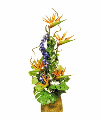 corporate flowers arrangement of dried strelizia