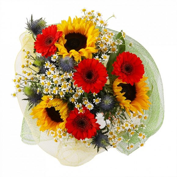 bouquet of roses, camomiles and sunflowers