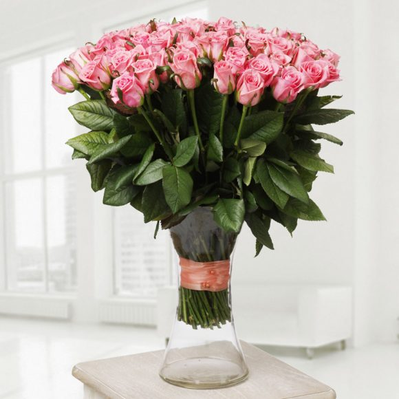 Huge bouquet of pink roses