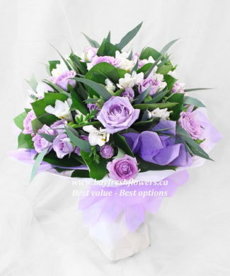 bouquet of purple roses and alstroemeria
