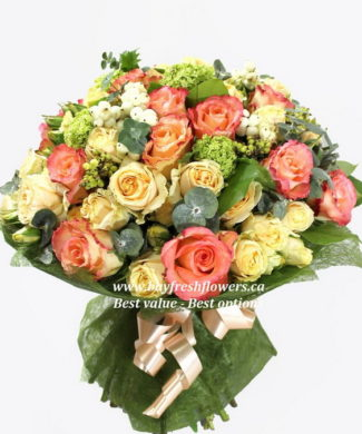 bouquet with two colours of roses