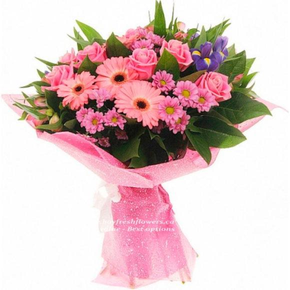 Bouquet of pink roses, gerbers and chrysantemum