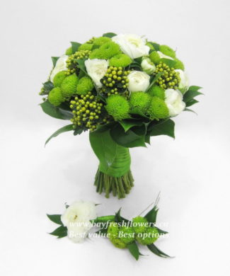 bouquet for wedding of roses and chrysantemums