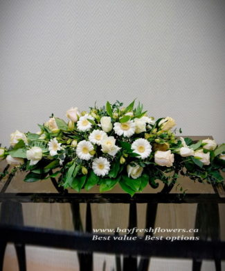 Wedding flowers and centerpieces in white-cream colors