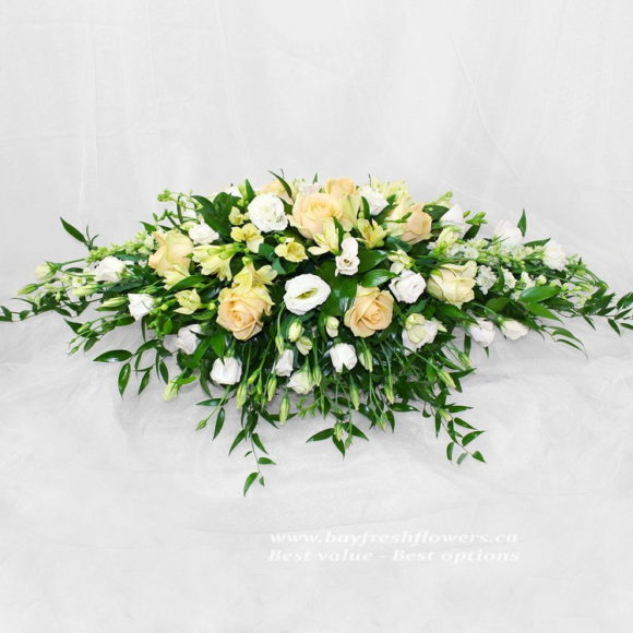 Wedding flowers and centerpieces in cream-white colors