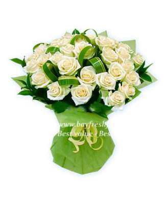 bouquet of withe roses