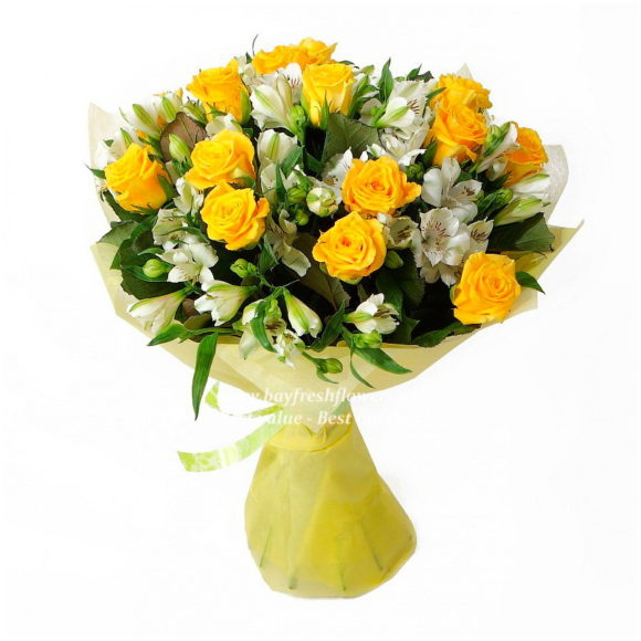 Bouquet of yellow roses and alstroemeria