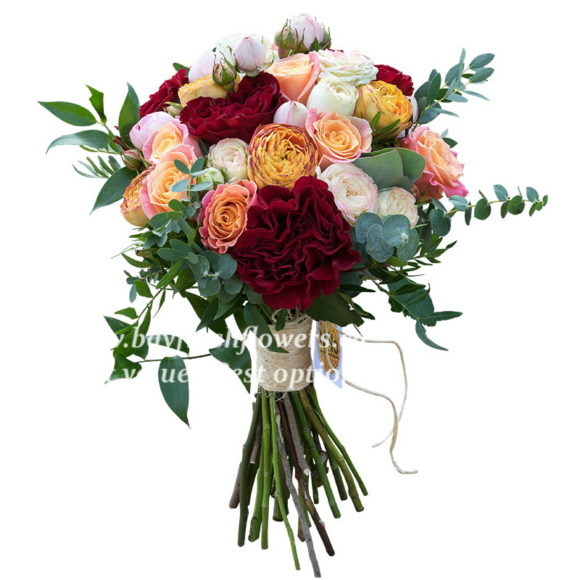 Bouquet of mixed roses and eucalyptus