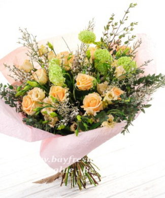 Bouquet of eustoma and roses