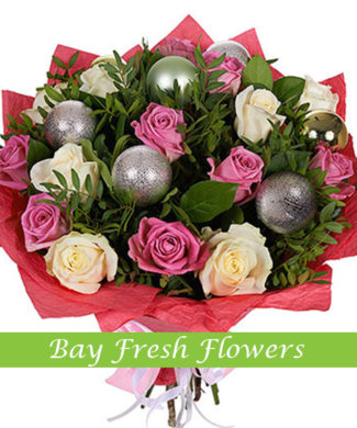 Christmas bouquet of white and pink roses