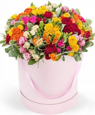 27004 All Shades - Large arrangement with mixed roses in a box