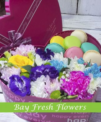 Macaroons and flowers