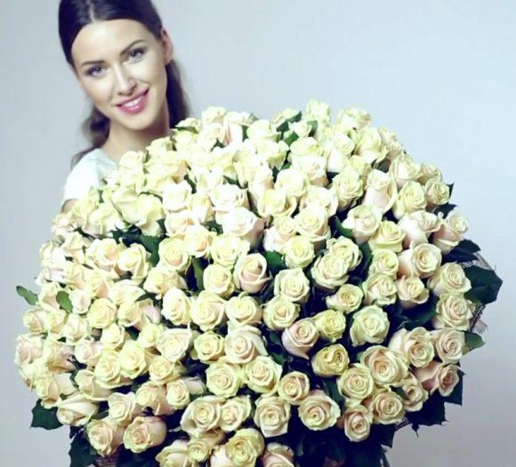 Huge bouquet of cream roses
