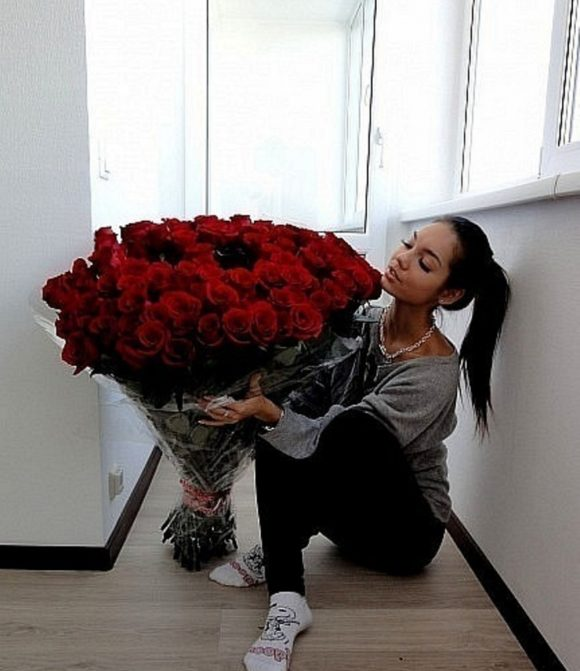Extra large bouquet of roses