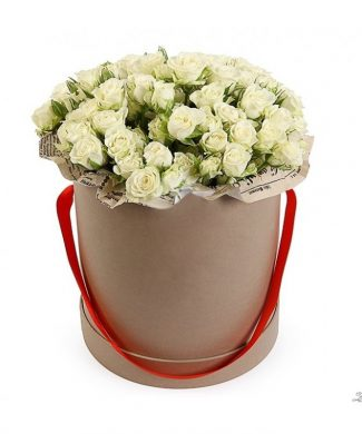 27056 Large arrangement with white roses in a box