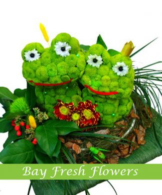 Cute frogs of flowers