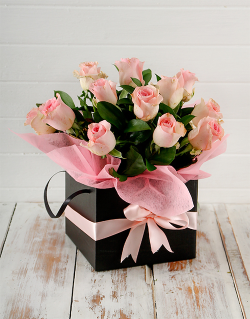 Elegant Arrangement With Roses In A Box Buy In Vancouver Fresh Flowers Delivery From Florist