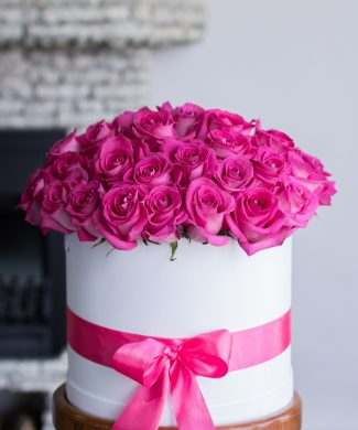 27037 My love is big and bright - pink roses in a hat box