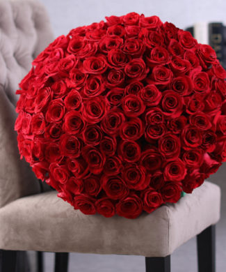 2028 - BIG LOVE - 50 to 200 stems of premium red roses