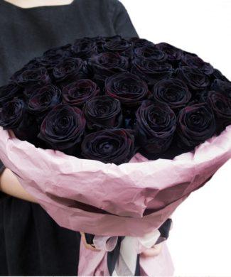 201931 Premium black roses bouquet
