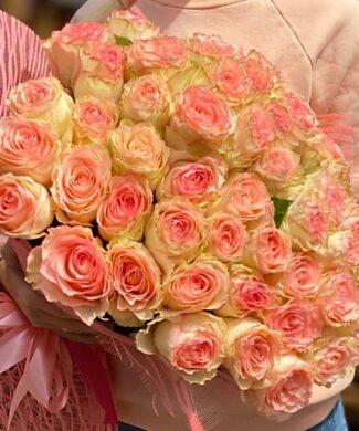 2004 Huge bouquet of 100, 200 long stem pink roses